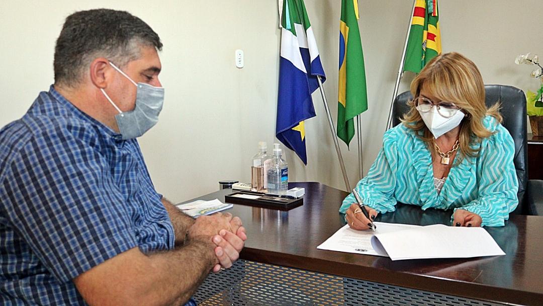 Prefeita decreta situação de emergência e respalda produtor a pedir seguro agrícola por perdas do milho safrinha
