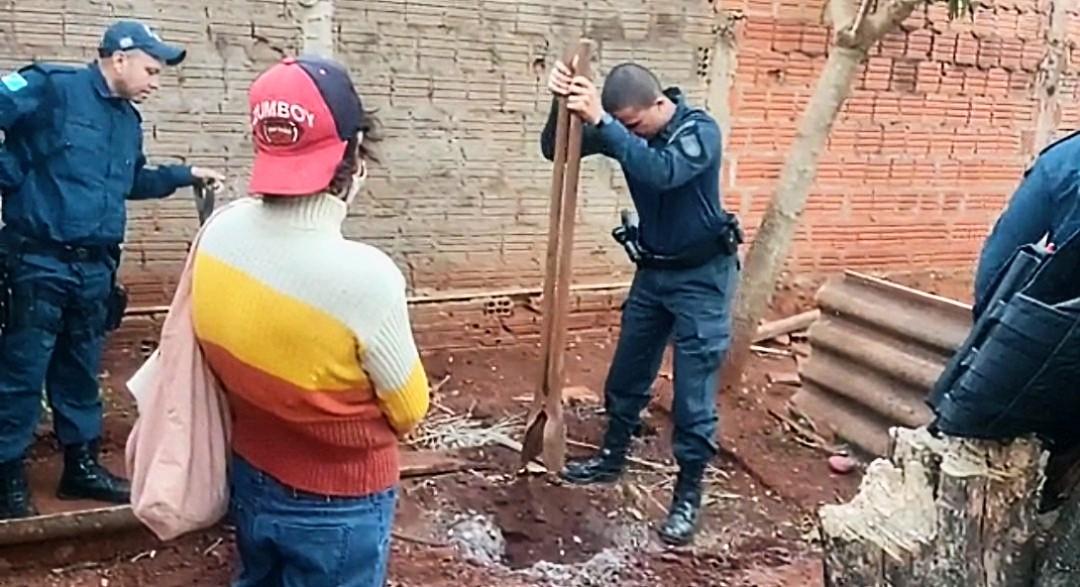 Sobrinha mata tio, enterra corpo no quintal e PM desvenda crime após denúncia