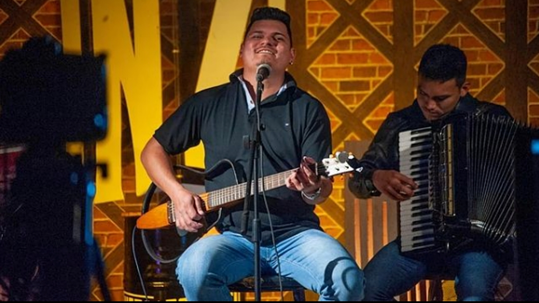Ademar Espindola lança música e faz sorteio de prêmios a quem compartilhar single