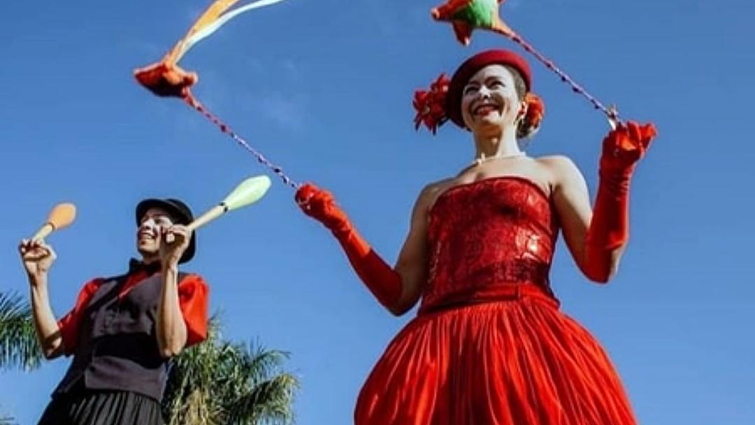 Alunos vão ser recepcionados com espetáculo circense, música e dança