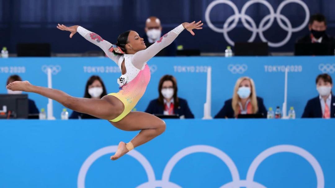 Após ouro e prata, Rebeca fica em 5º lugar no solo