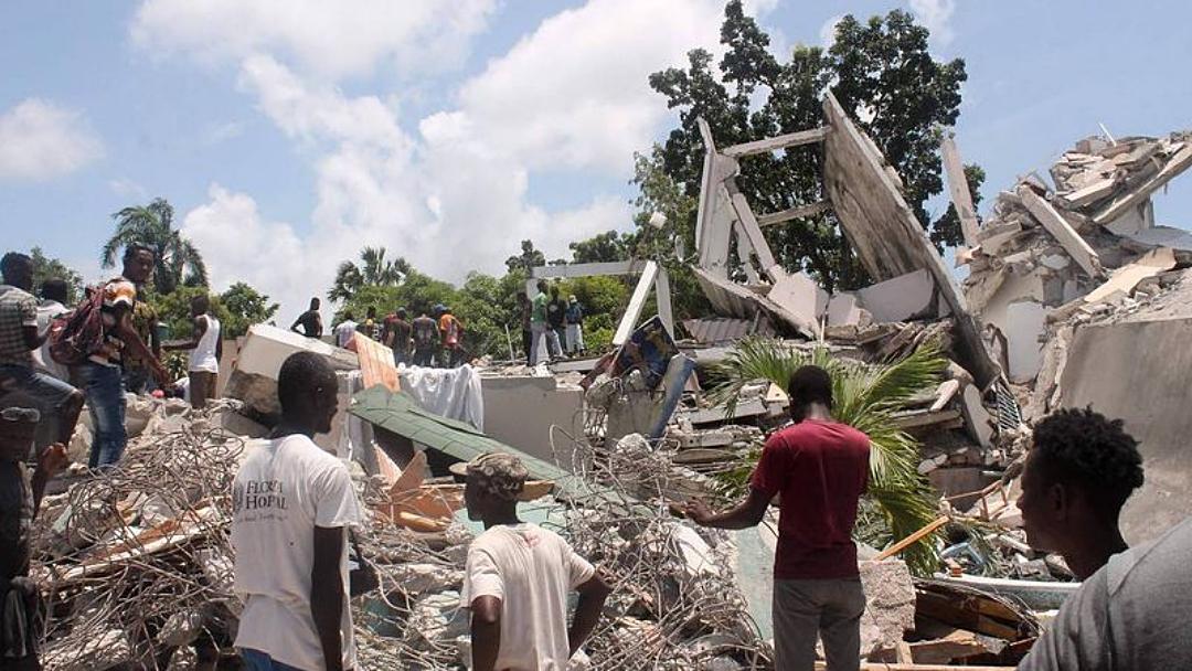 Mortos por terremoto no Haiti sobe para 724