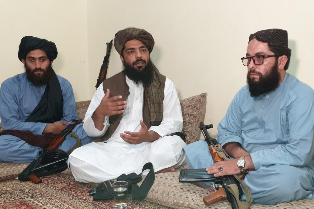 'Não haverá democracia', diz comandante do Talibã
