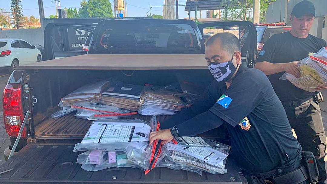Foragido acusado de desviar R$ 23 mi, ex-prefeito ficou rico e pobre na prefeitura