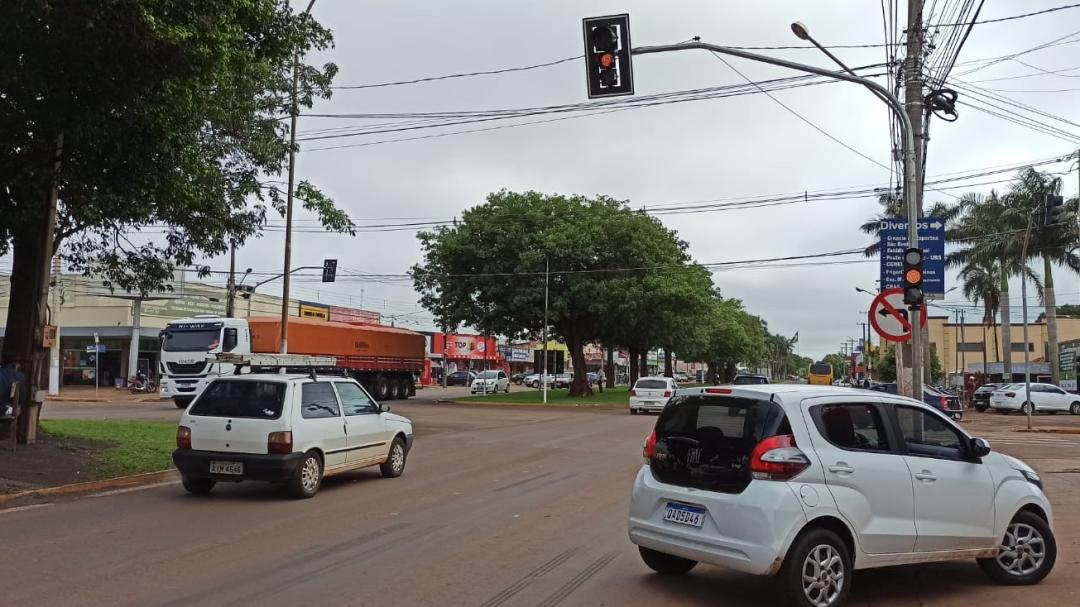 Projeto para ordenar trânsito prevê 10 semáforos, reforço na sinalização e quebra-molas